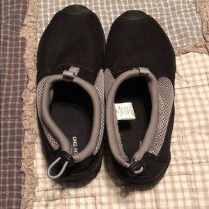 Women's Lands End water shoes, excellent condition